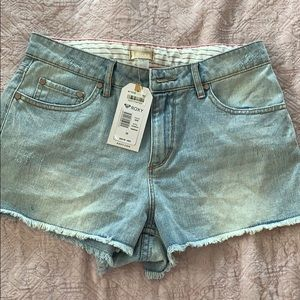 Roxy shorts with tags